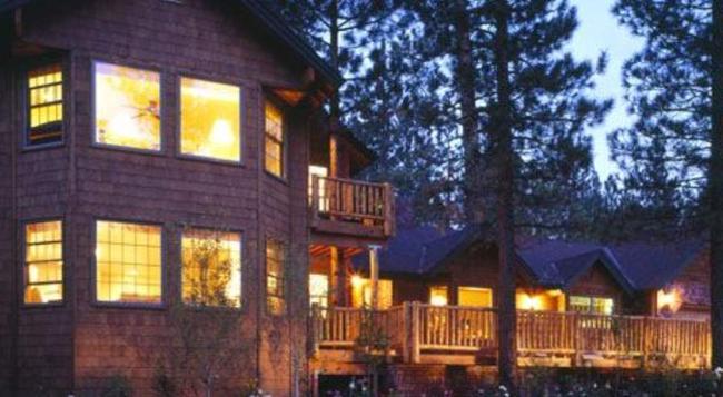 Alpenhorn Bed And Breakfast Inn - 大熊湖 - 建築