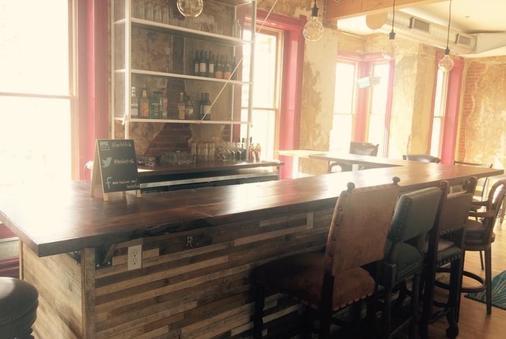 小魚旅舍 - 丹佛 - 酒吧
