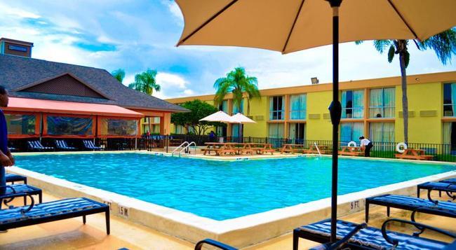 Floridian Express International Drive - 奧蘭多 - 游泳池