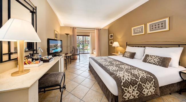Jaz Makadi Saraya Resort - 赫爾格達 - 臥室