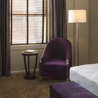 Hotel De Anza Guestroom