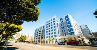 吉諾西費加羅公寓 - 洛杉磯 - 建築