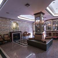 Avenue Plaza Hotel Lobby