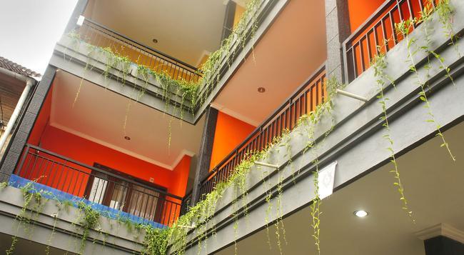 Rena Segara House - 庫塔 - 建築