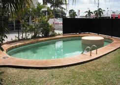 清涼棕櫚汽車旅館 - 麥凱 - 游泳池