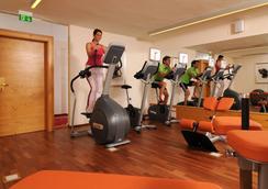 奧鵬霍夫高級酒店 - 阿爾滕馬克特蓬高 - 健身房