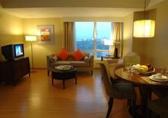 蘭卡斯特酒店 - Mandaluyong - 臥室