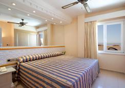 普拉亞卡普里丘酒店 - Roquetas de Mar - 臥室