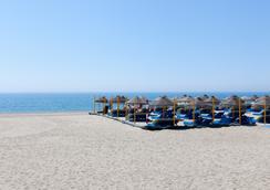 普拉亞卡普里丘酒店 - Roquetas de Mar - 海灘