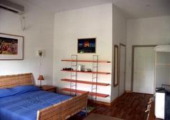 海濱旅舍 - 努庫阿洛法 - 臥室