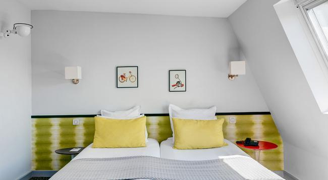 Hotel Acadia Astotel - 巴黎 - 臥室