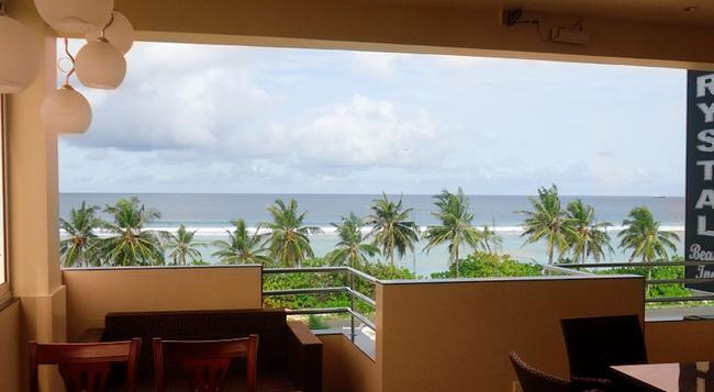 Crystal Beach Inn - Hulhumale - 餐廳