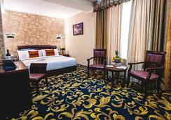 基希訥烏阿麗雅酒店 - 基希訥烏 - 臥室