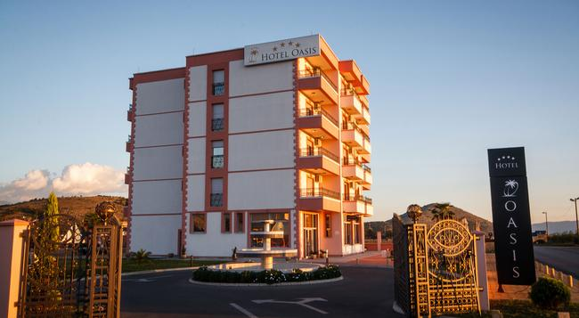 Hotel Oasis - 波德戈里察 - 建築
