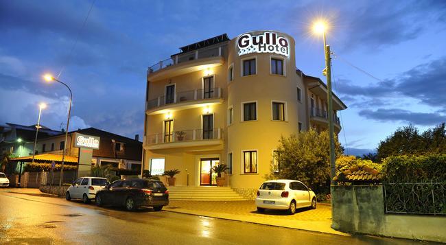 Gullo Hotel - 拉默齊亞泰爾默 - 建築