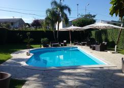 谷洛酒店 - 拉默齊亞泰爾默 - 游泳池
