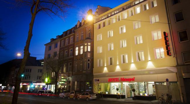Monopol Hotel - 杜塞道夫 - 建築