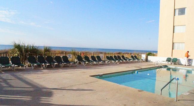 Ocean Plaza Motel - 默特爾比奇 - 游泳池