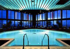 波士頓龍碼頭萬豪酒店 - 波士頓 - 游泳池