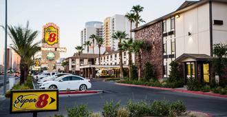埃利斯島賭場酒店及啤酒廠 - 拉斯維加斯 - 建築