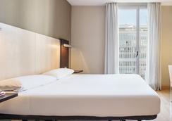 伊魯尼奧迪托瑞酒店 - 巴塞隆拿 - 臥室