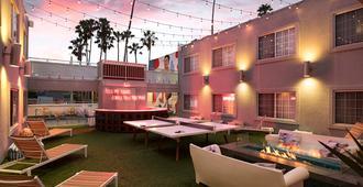 肯尼維尼斯海灘飯店 - 洛杉磯 - 天井