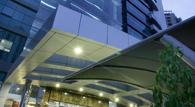 First Central Hotel Apartments - 杜拜 - 建築