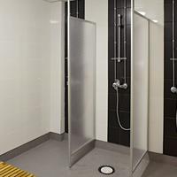 Cheapsleep Helsinki - Hostel Bathroom Shower