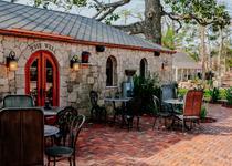 The Collector - Luxury Inn & Gardens
