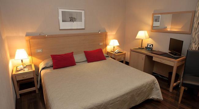 Hotel Gerber - 羅馬 - 臥室