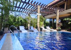 大西哈努克別墅 - 磅遜 - 游泳池