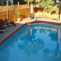 Carole's Bed And Breakfast Outdoor Pool