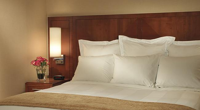 Courtyard by Marriott Chicago Downtown River North - 芝加哥 - 臥室