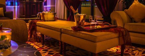 丹佛華威飯店 - 丹佛 - 酒吧