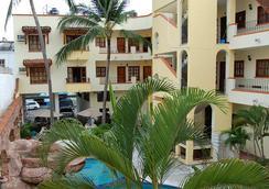 瓜雅畢多斯聖卡洛斯酒店 - Rincon de Guayabitos - 建築
