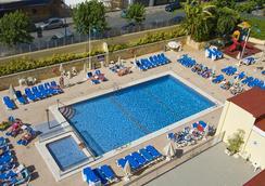 瑟維集團橙子酒店 - 貝尼多姆 - 游泳池
