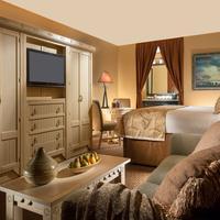 Capitol Reef Resort Guestroom