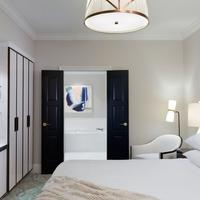 The Spectator Hotel Guest room