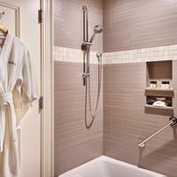 Harbourview Inn Bathroom