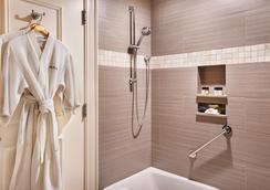 海港景酒店 - 查爾斯頓 - 浴室