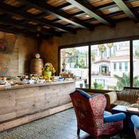 Petit Ermitage Breakfast Area