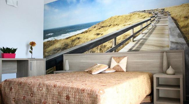 Doric Bed - 阿格里真托 - 臥室