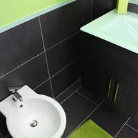 Doric Bed B&B Bathroom