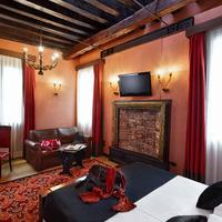 Hotel Saturnia & International Guestroom