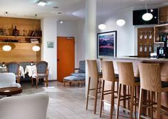 紐倫堡阿格尼斯舍弗酒店 - 紐倫堡 - 酒吧