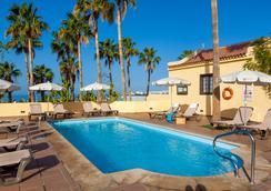 阿德赫海岸塔哥洛家庭歡樂酒店 - 阿德耶 - 游泳池