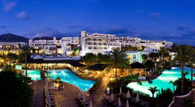 Gran Castillo Tagoro Family & Fun Playa Blanca - 普拉亞布蘭卡 - 建築
