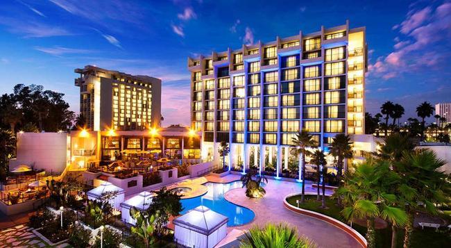 Newport Beach Marriott Hotel and Spa - 紐波特海灘 - 建築