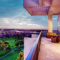 Newport Beach Marriott Hotel and Spa Guest room