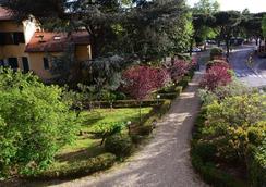 迪莫拉萨尔维亚蒂住宿加早餐旅馆 - 佛羅倫斯 - 室外景